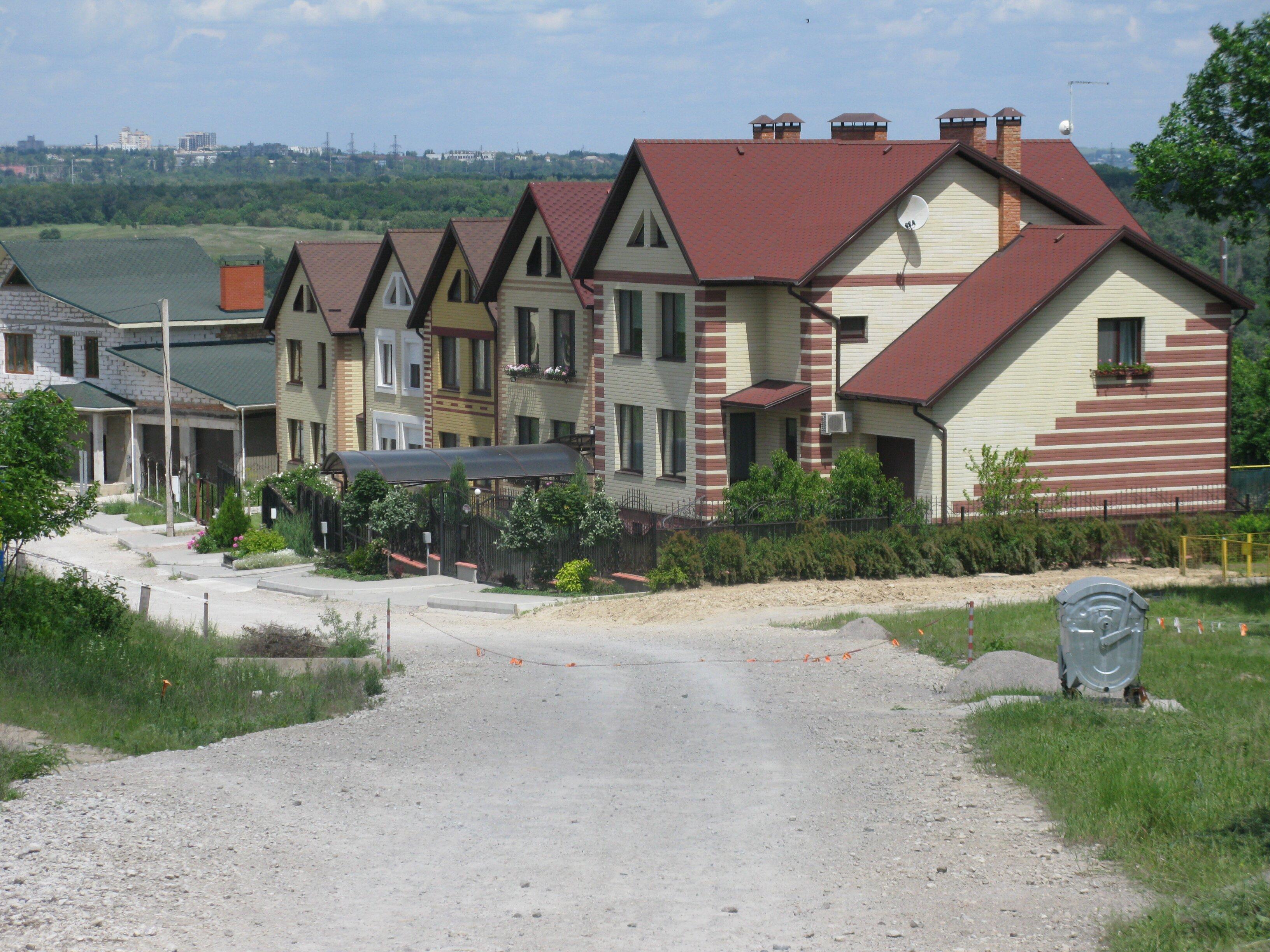 """Кризис ограничил и расширение поселка """"Днипровська скеля"""""""
